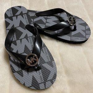 Michael Kors NWOT Black Enid Flip Flops Size 5